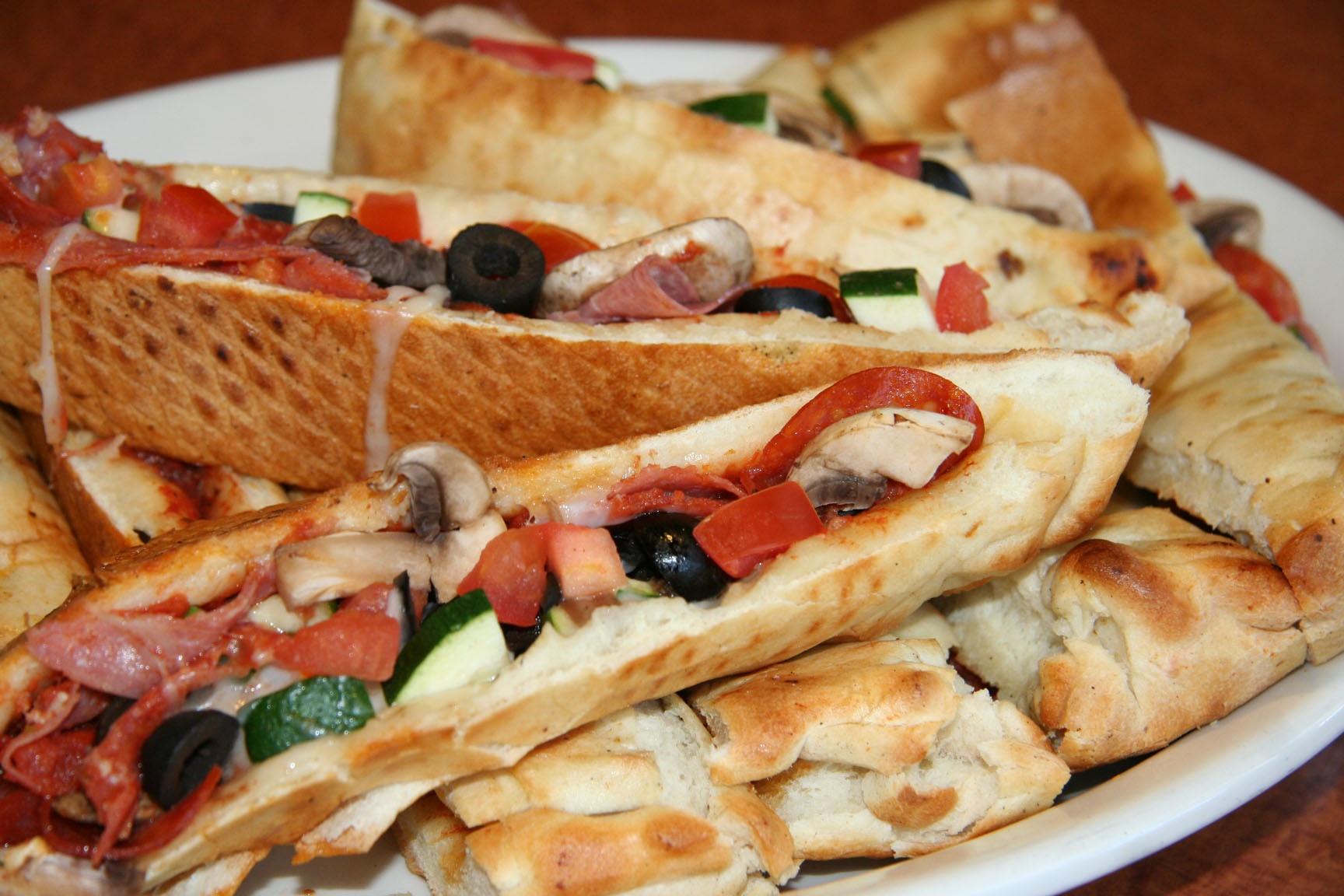 Stuffed-Pizza-Oggis-Huntington-Beach