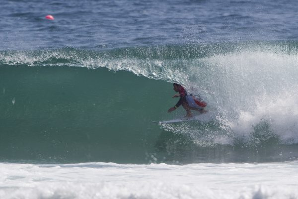 Griffin Colapinto and a rare HB barrel. © WSL / Rowland